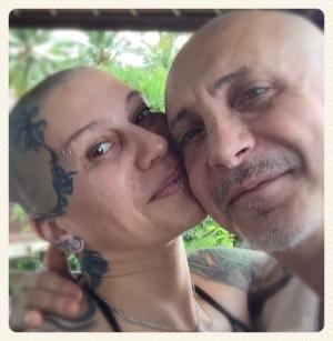 наргиз закирвоа и ее муж